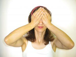 yoga-des-yeux-bates-palming